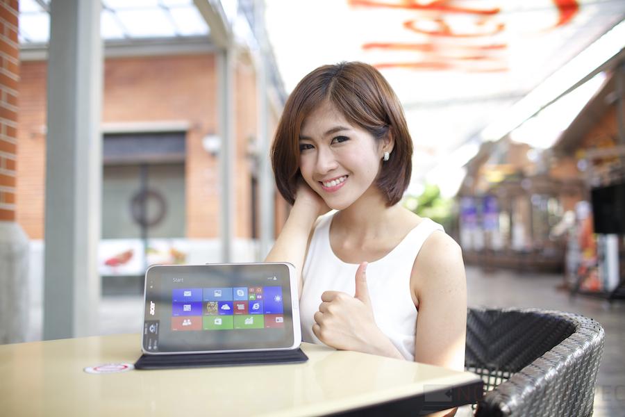 Pretty Acer W4 006