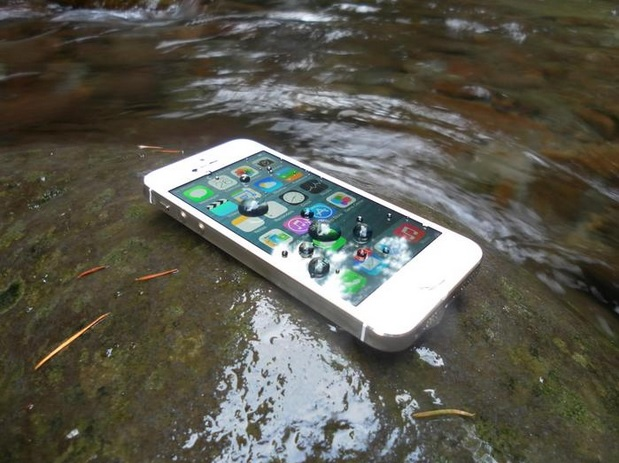 spray-waterproof-iPhones-01-600