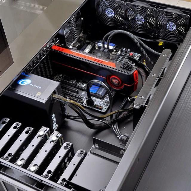 Lian-Li-Desk-Chassis-DK-01X-Installed-Hardware