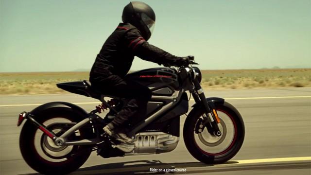 Harley-Davidson__82_719397a