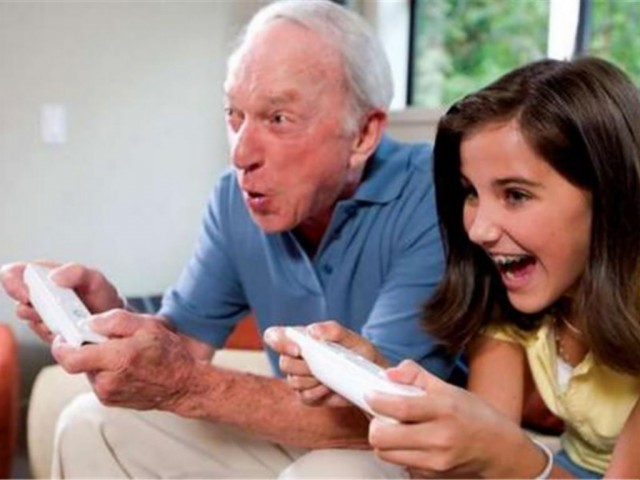 old-man-gaming