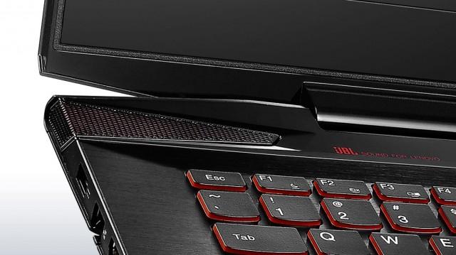 lenovo-laptop-y40-keyboard-closeup-3