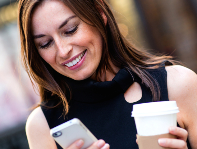 starbucks-coffee-phone-mobile-payments 600