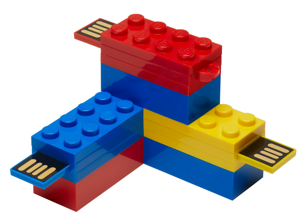 PNY_LEGO_Flash_Drive_02