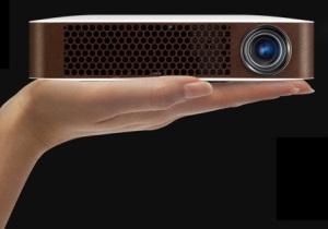 LG's Bluetooth MiniBeam โปรเจคเตอร์ไร้สาย พกพาง่าย รองรับได้ทั้งไอโฟนและแอนดรอยด์
