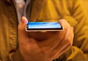 รายงานเผย Samsung เริ่มต้นทดสอบมือถือสมาร์ทโฟนที่มีหน้าจอ 3 ด้าน