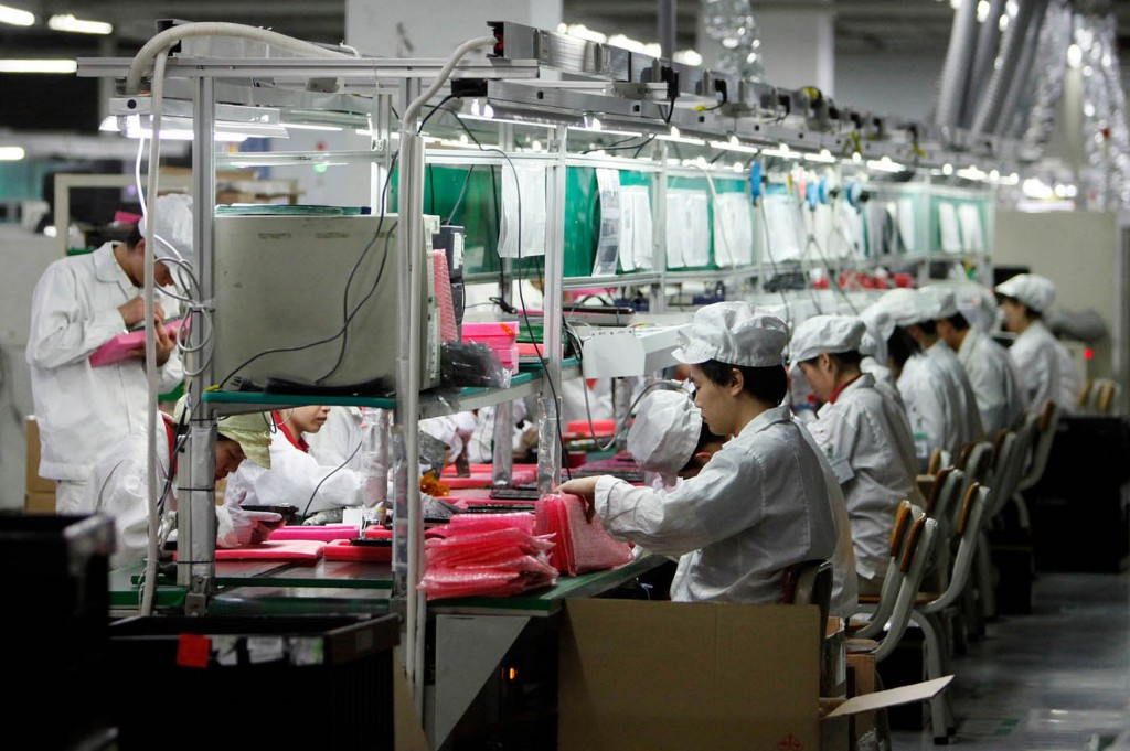 foxconn-production-1024x681