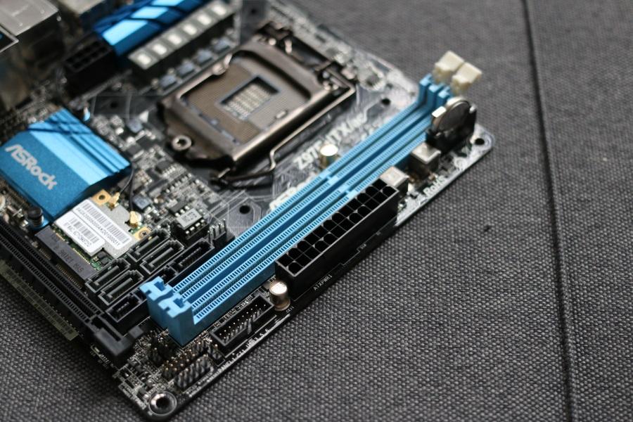 ASRock Z97E-ITXac (8)