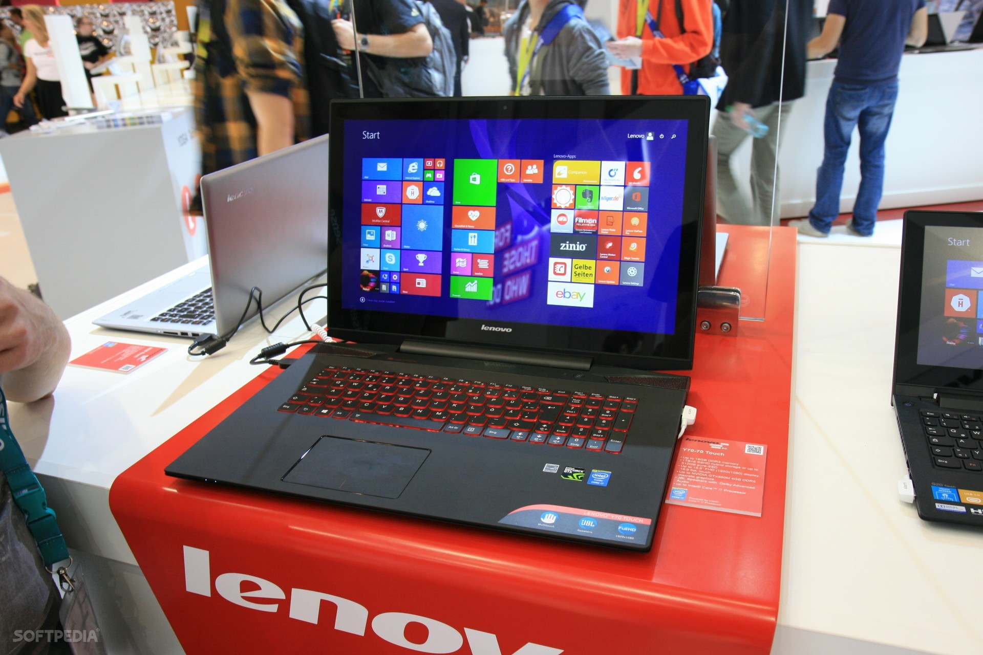 Hands-On-Lenovo-IdeaPad-Y70-Gaming-Laptop-with-Touch-Screen-457906-2