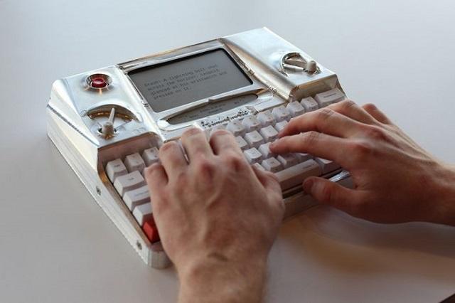 hitech type writer 02 600