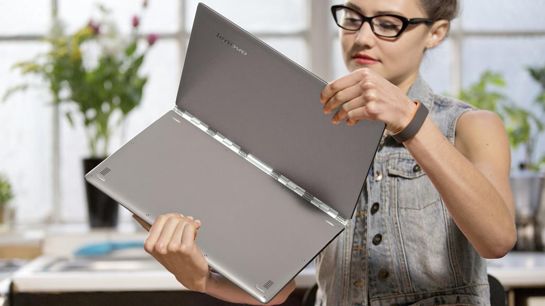 lenovo-laptop-convertible-yoga-3-pro-orange-hinge-detail-5