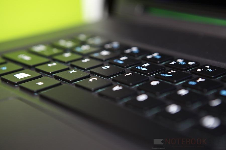 Acer R13 Hands ont 006