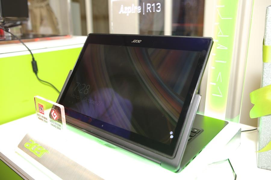 Acer R13 Hands ont 011