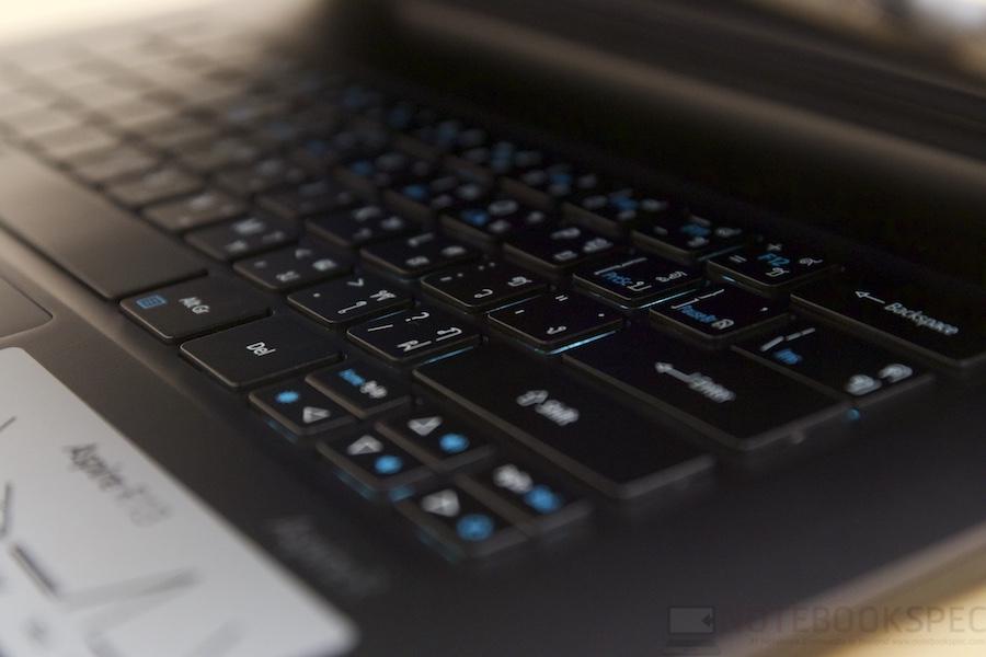 Acer Aspire R13 Review 029
