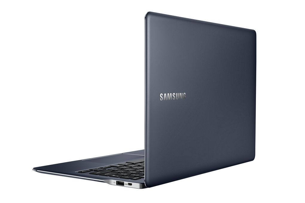 Samsung_ATIV_Book_9_back_open.0
