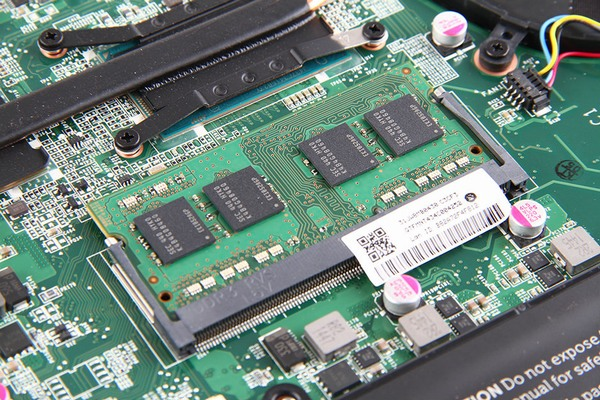 Dell-Vostro-5480-Disassembly-4-600x400