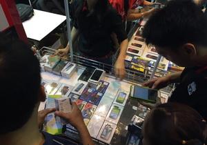 สำรวจงาน TME 2015 มือถือ Clearance เยอะ!!LG G Pro 8,990 / Huawei P6 4,900 ฯลฯ