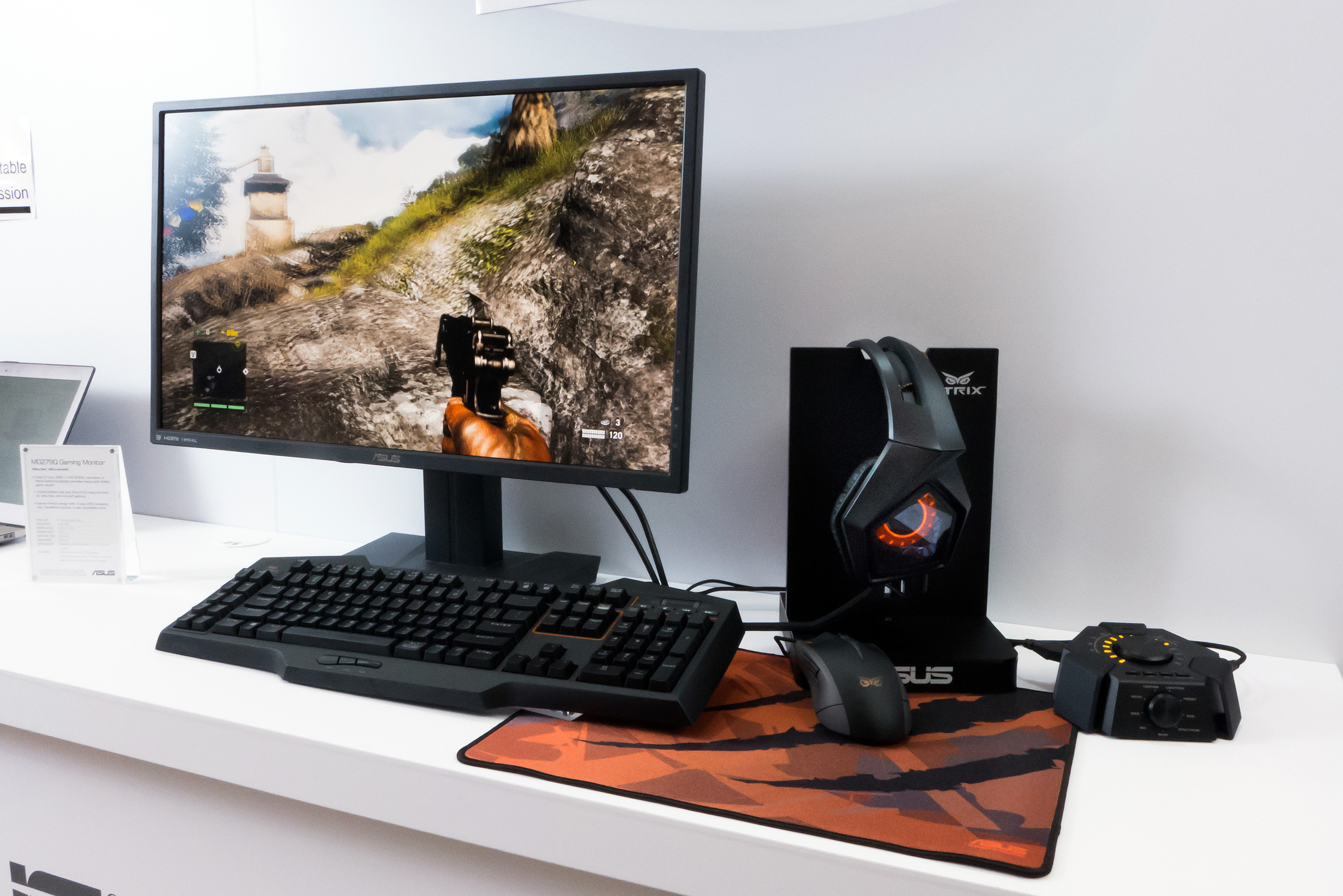 ASUS_MG278Q_WQHD_In-Plane-Switching_technology_gaming_monitor_with_Strix_gaming_set