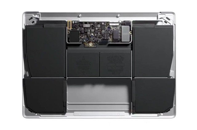 macbook-logic-board-640x422