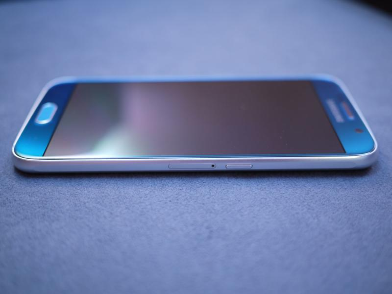 samsung-galaxy-s6-hands-on-review-front-03
