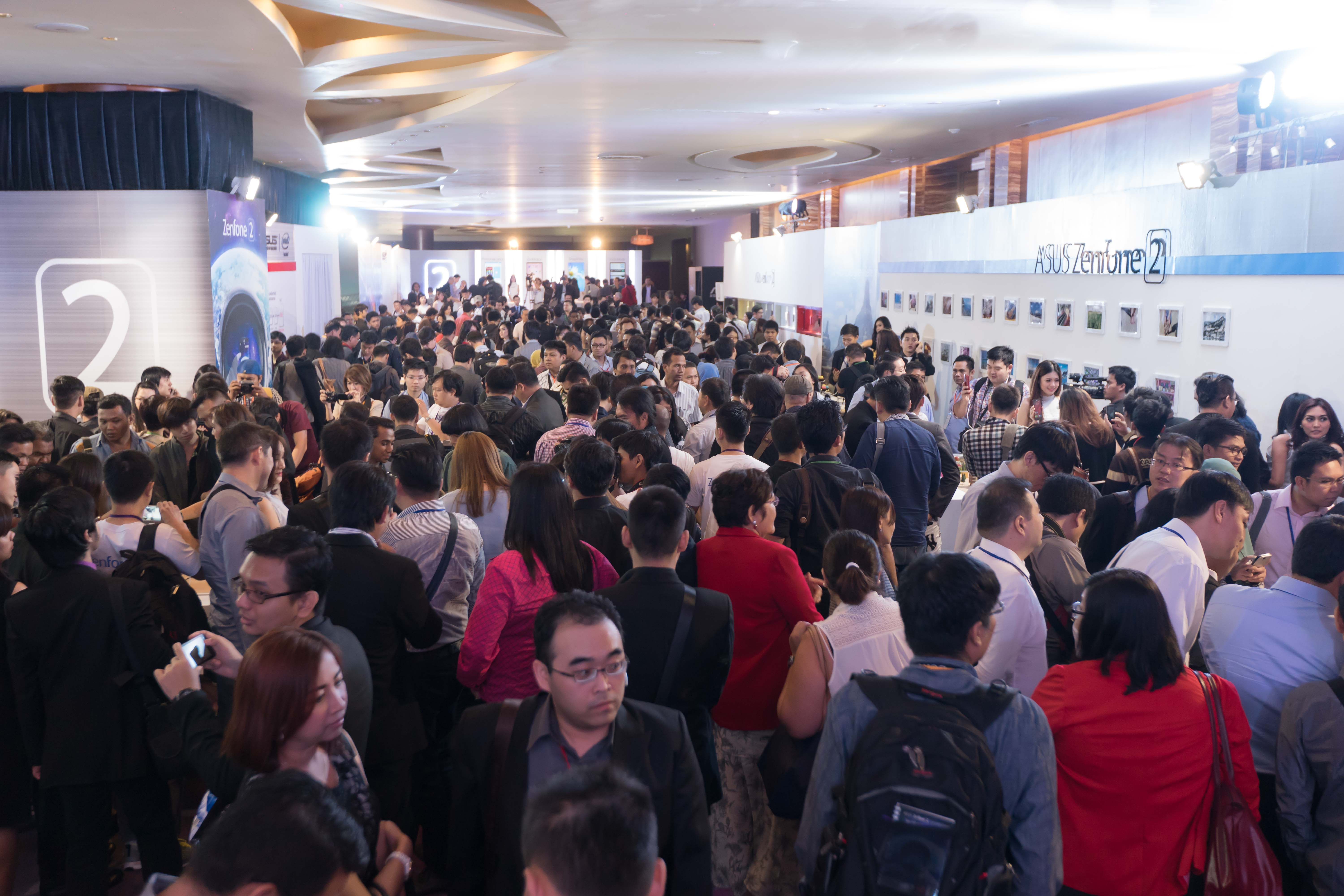 Over 1,000 Southeast Asian media and consumers experience ASUS ZenFone 2.