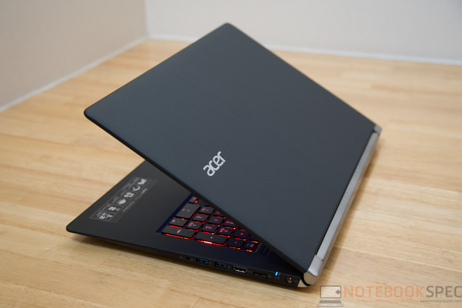 Acer Aspire V Nitro 17 GTX960M Review-4