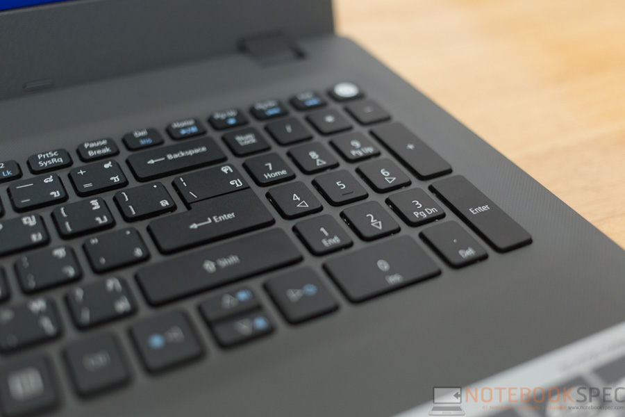 Acer Aspire E5 2015 Review-20