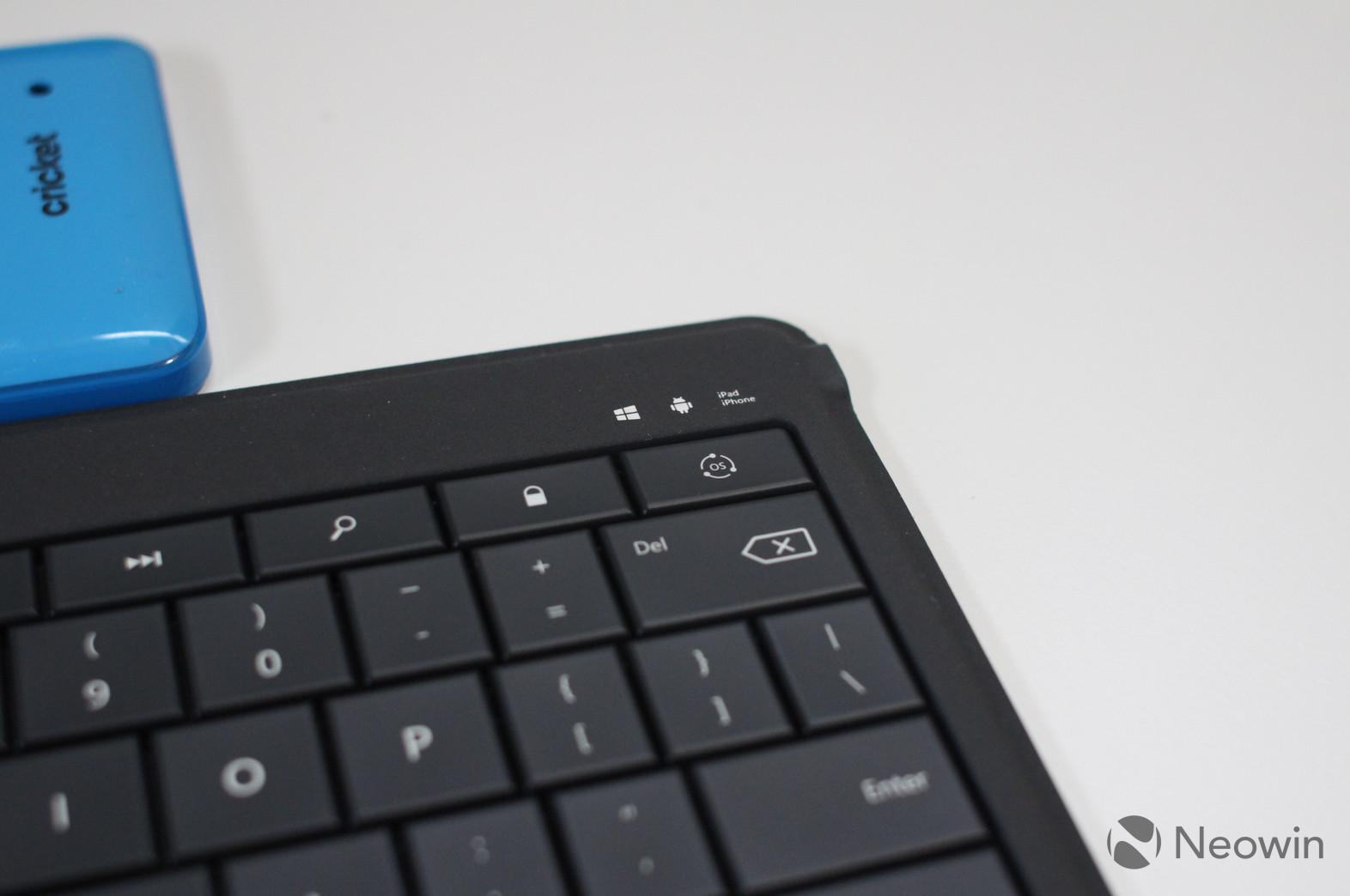 Microsoft's Universal Foldable Keyboard (10)