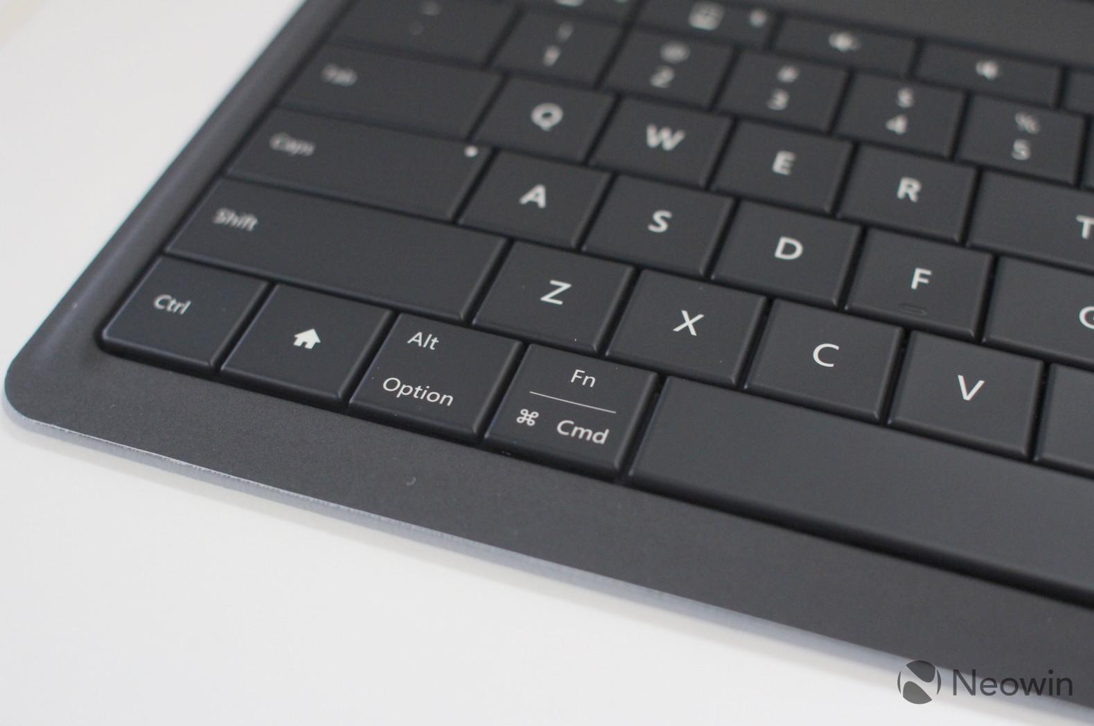 Microsoft's Universal Foldable Keyboard (11)