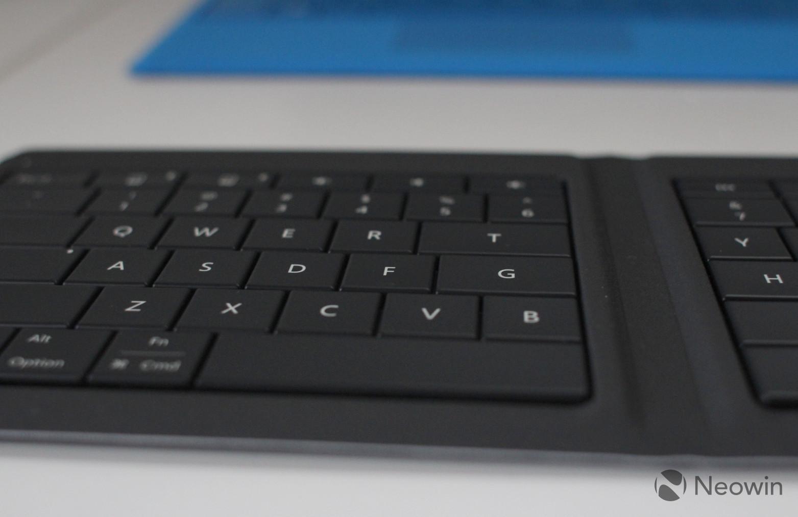 Microsoft's Universal Foldable Keyboard (7)