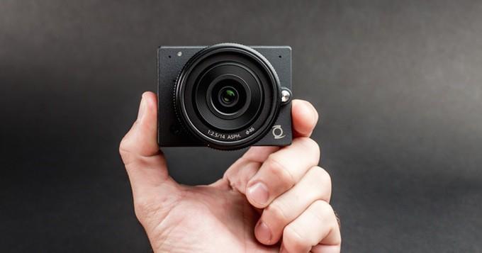 z-e1-micro-4-3-interchangable-lens-camera 600