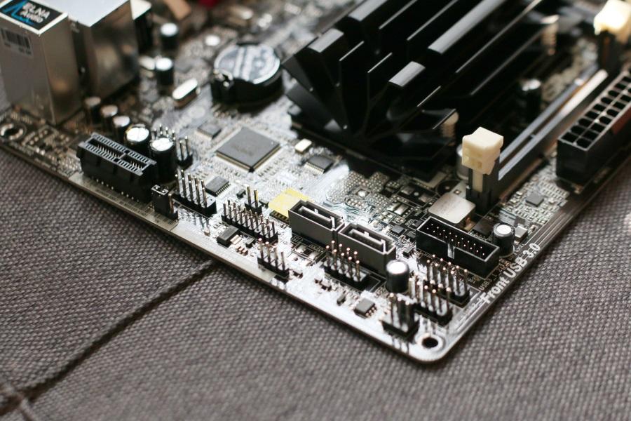 ASRock N3150B-ITX (10)