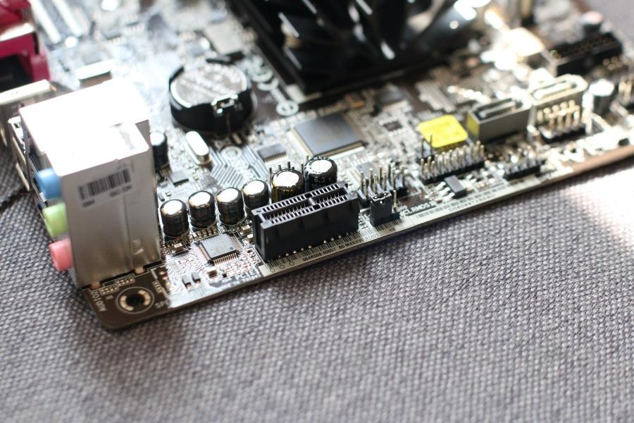 ASRock N3150B-ITX (9)