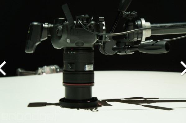 canon 120-megapixel-SLR-camera 600 07