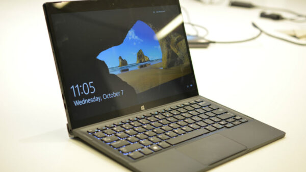 Dell XPS 12 hybrid 2 in 1 600 01
