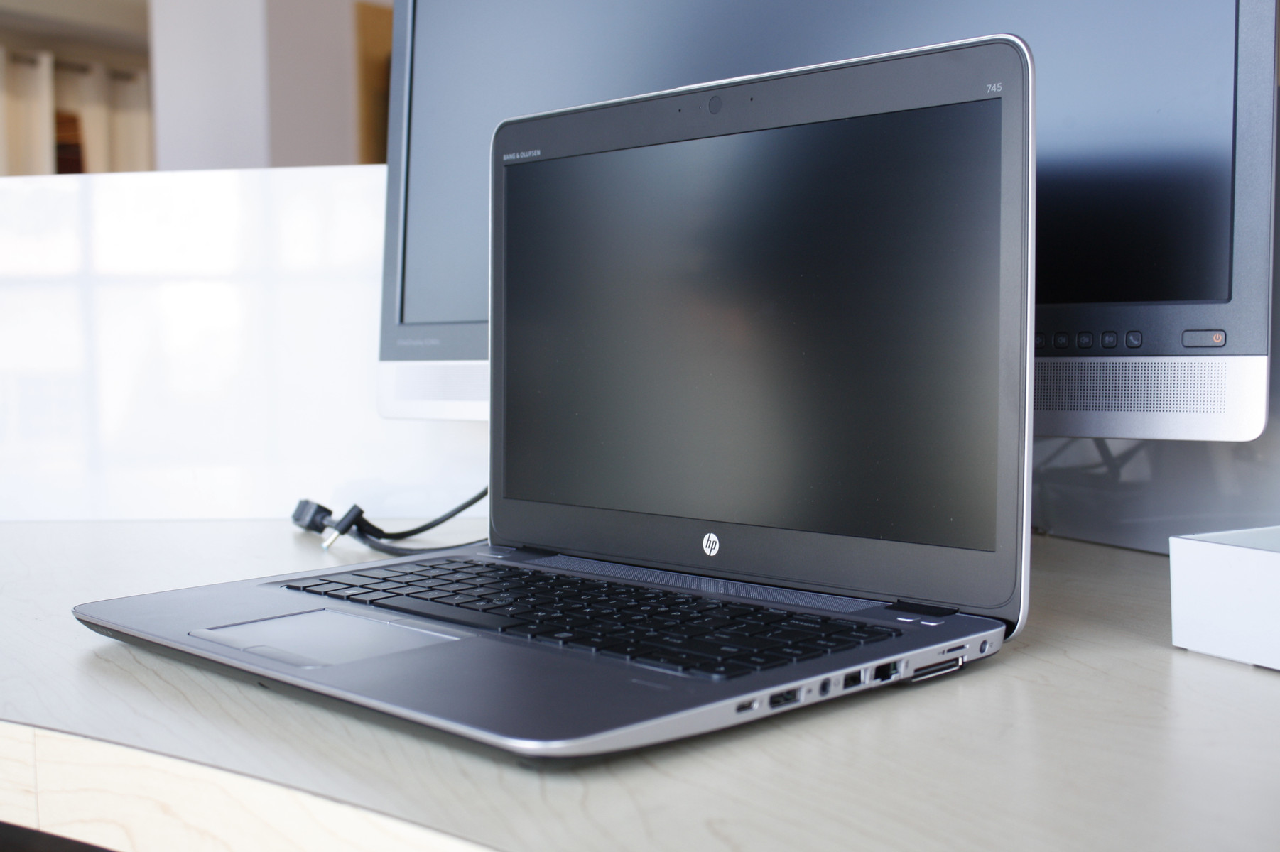 HP EliteBook 705 G3 600 01