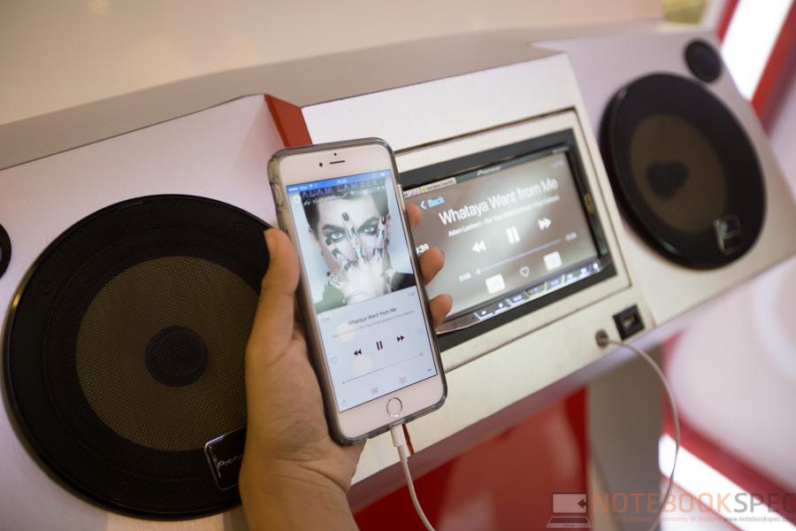 Pioneer Launch Apple Car Play 2015-19