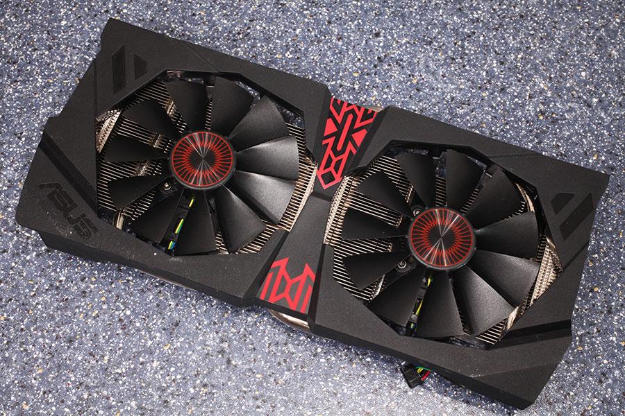 ASUS Radeon R9 380X STRIX 600 11