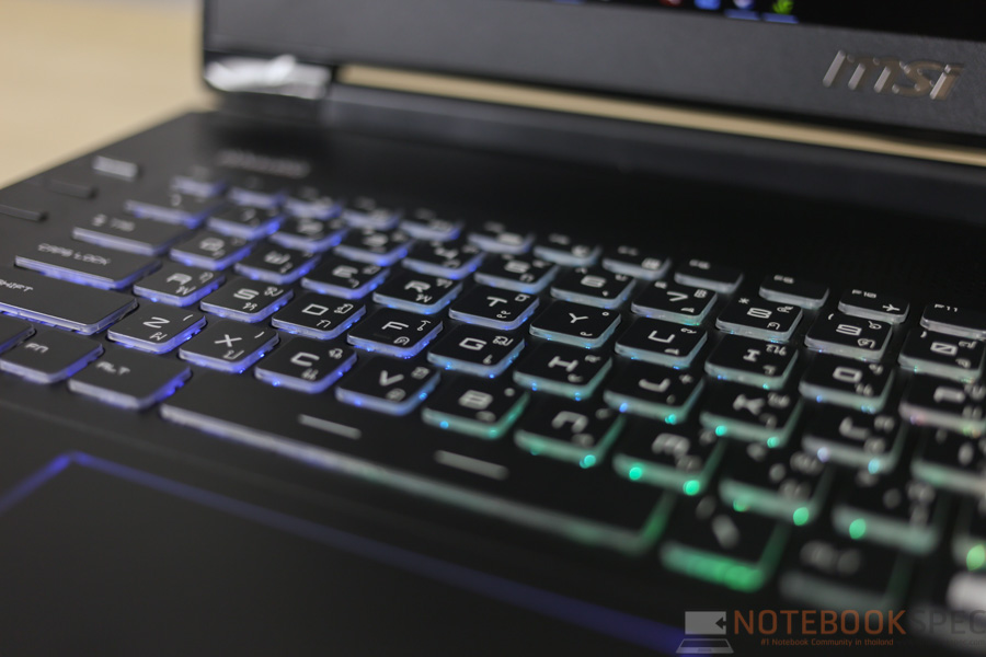 MSI GT72S Gaming Notebook Review-39