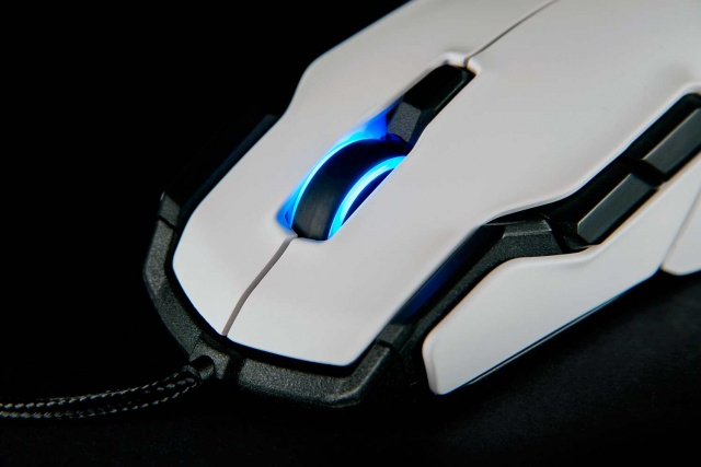 roccat-kova-gaming-mouse (7)