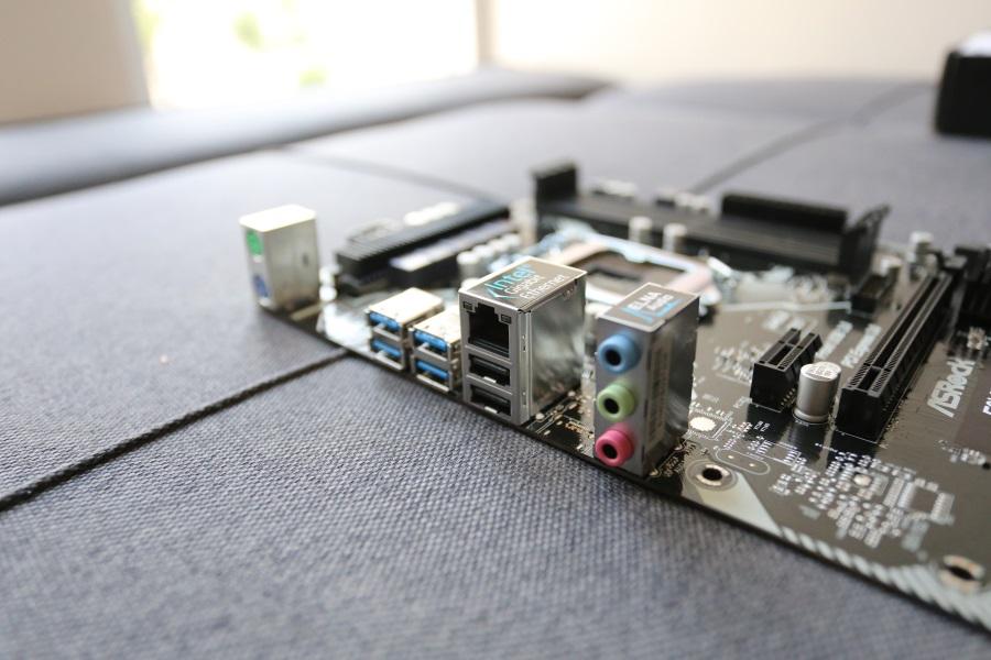 ASRock E3V5 WS (12)