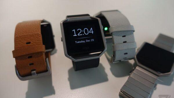Fitbit BLAZE 600 01