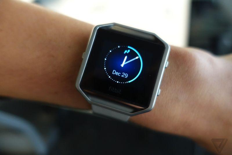 Fitbit BLAZE 600 02