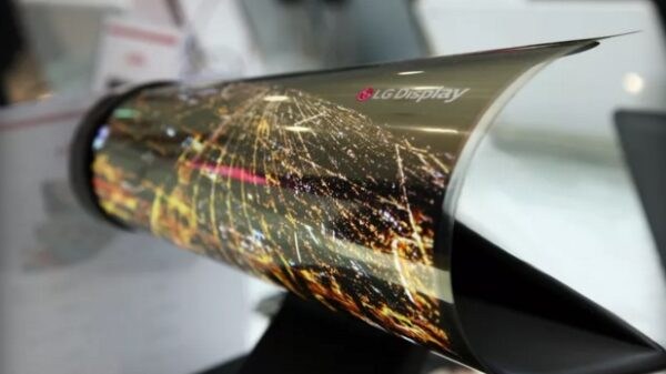 LG OLED 18 inch display roll up 600