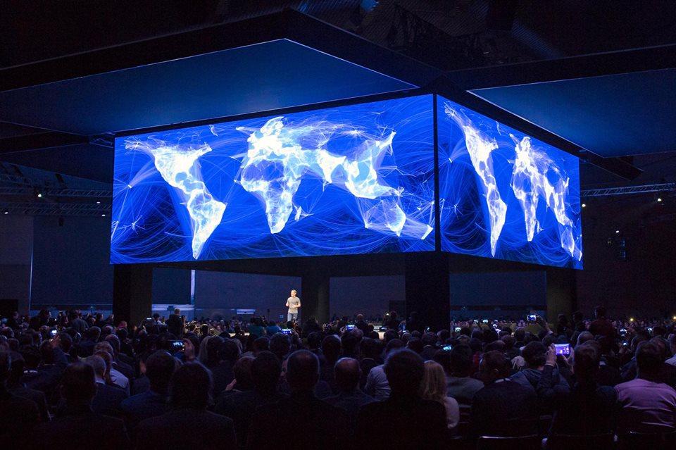 Mark Zuckerberg at samsung unpack Feb 2016 600 02