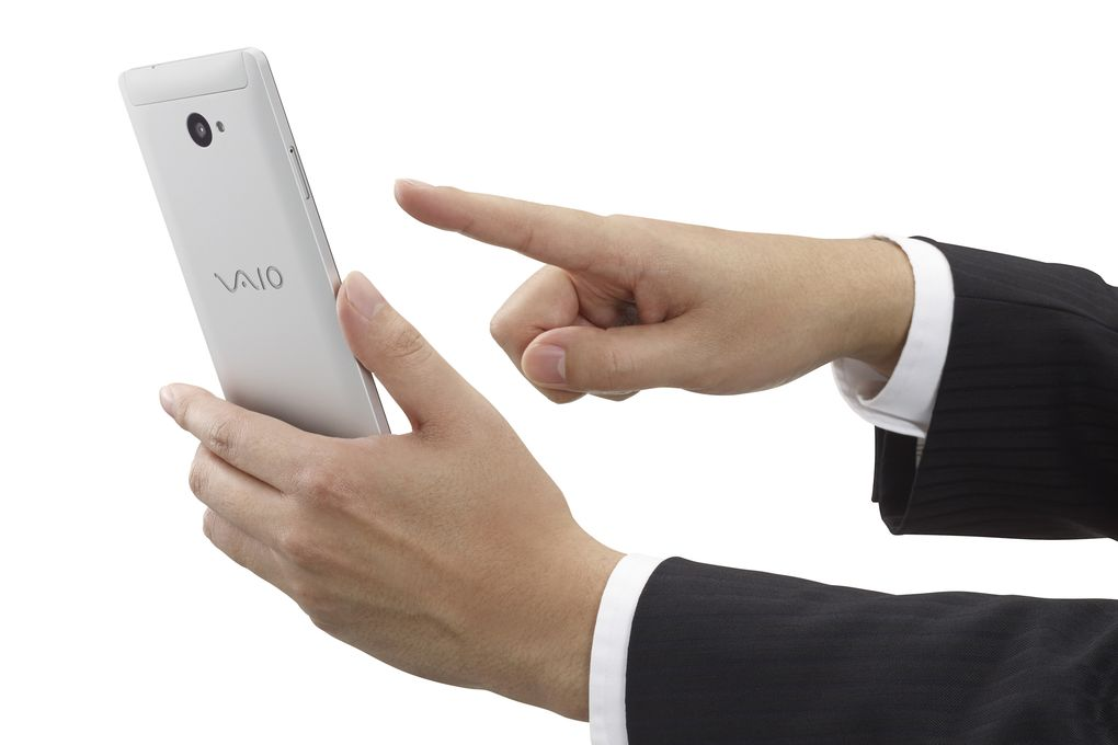 VAIO Windows phone 600 02