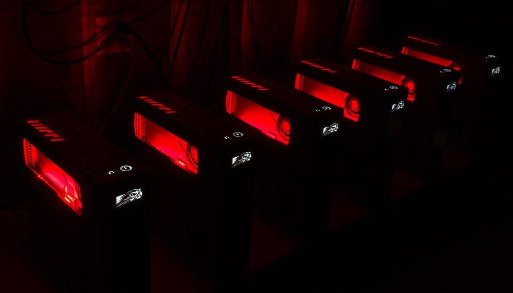 AMD-Furyx2-VRLA (4)