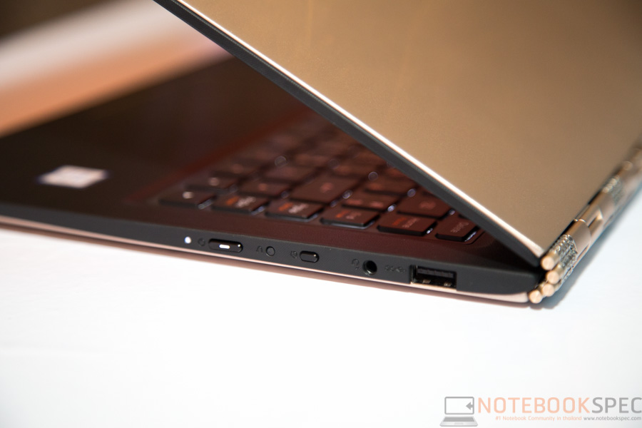 Lenovo YOGA 900 Preview-12