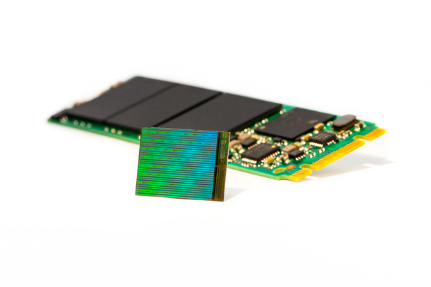 high_res_3d_nand_die_w_m2_ssd-600