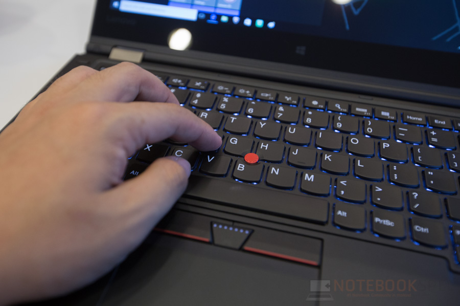 Lenovo ThinkPad P40 Yoga Review-23